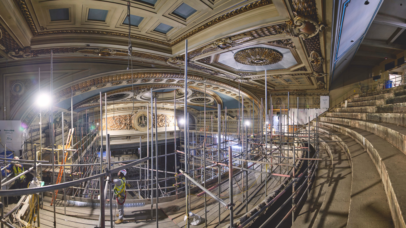 Wayfinding experience gets curtain call at Theatre Royal Drury Lane